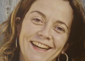 'Les preposicions de l'acció comunitària: 'en', 'amb' o 'per a' la comunitat?', article d'Anna Tomàs a Social.cat