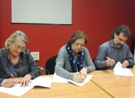 El projecte 'LLIURES' arrenca amb la signatura del conveni entre ECAS, Òmnium i Coop57
