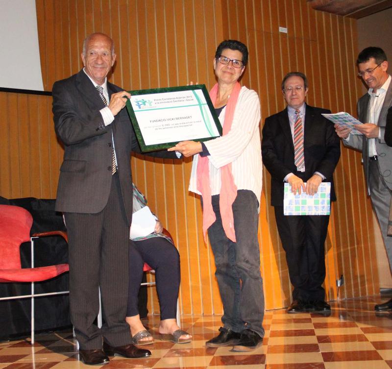 Lliurament Premi Constança Alarcon a F. Vicki Bernadet