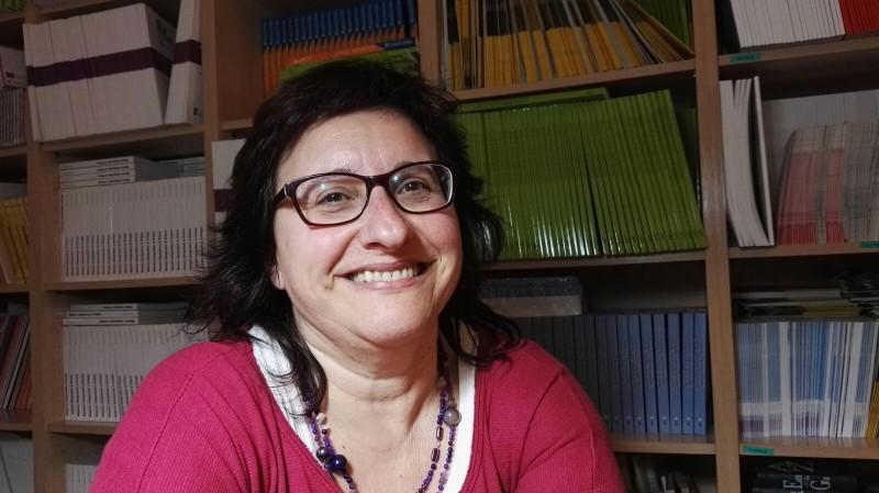 'Construint el model de democratització de les cures', article d'Esther Ramos a Catalunya Plural