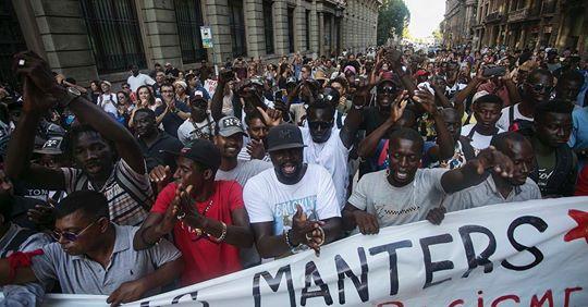 """A Barcelona la """"seguretat"""" atempta contra la dignitat de les persones, comunicat de SOS Racisme"""
