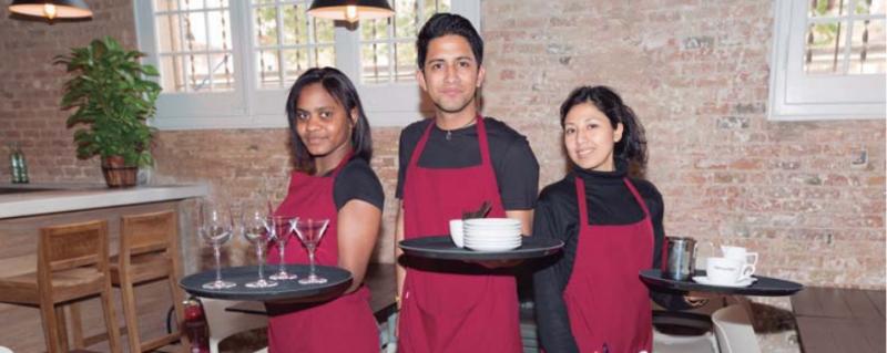 Places disponibles per al curs d'ajudant de sala de l'Escola Restaurant El Repartidor