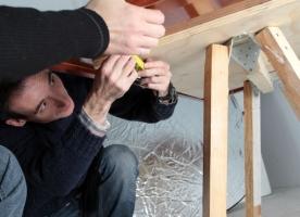 Crida d'Arrels Fundació per aconseguir material per construir mobles