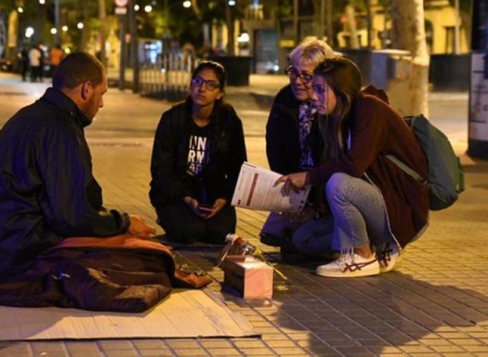 Les persones sense llar a Barcelona porten gairebé 4 anys de mitjana dormint al carrer