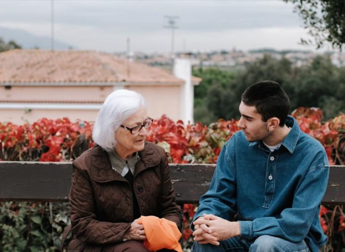 '#QueTotsElsDiesSiguinDimecres', vídeo per sensibilitzar sobre la soledat no desitjada de les persones grans
