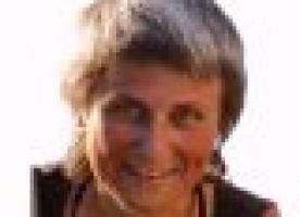 'Cal fugir de la precarietat laboral', article d'Ana Sesé a Social.cat