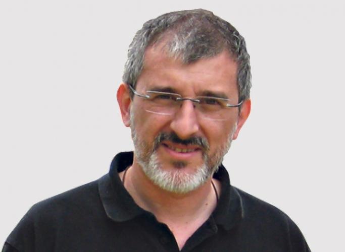 'Bajanades estivals sobre manters, menors i refugiats', article de Francesc Mateu a Catalunya Plural