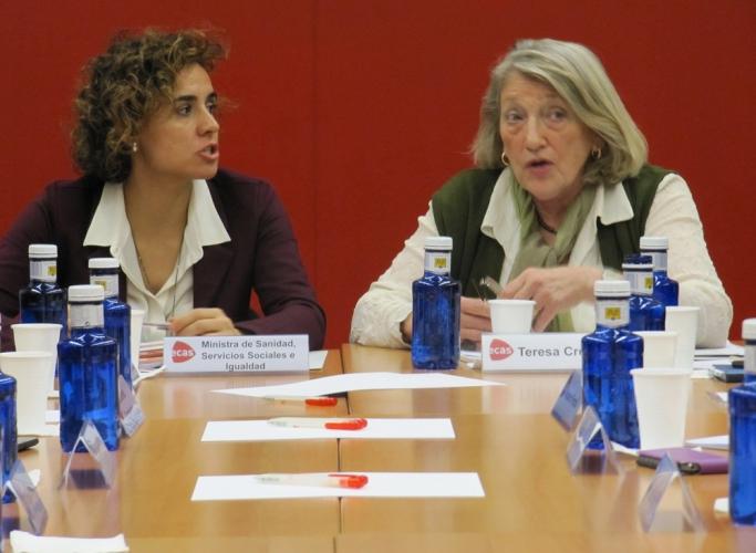 Les entitats d'acció social exposen al Govern espanyol les seves preocupacions en una trobada amb la ministra Dolors Montserrat