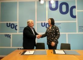 ECAS signa un conveni amb la UOC per fomentar la formació en l'ús de les tecnologies de la informació i en l'àmbit social