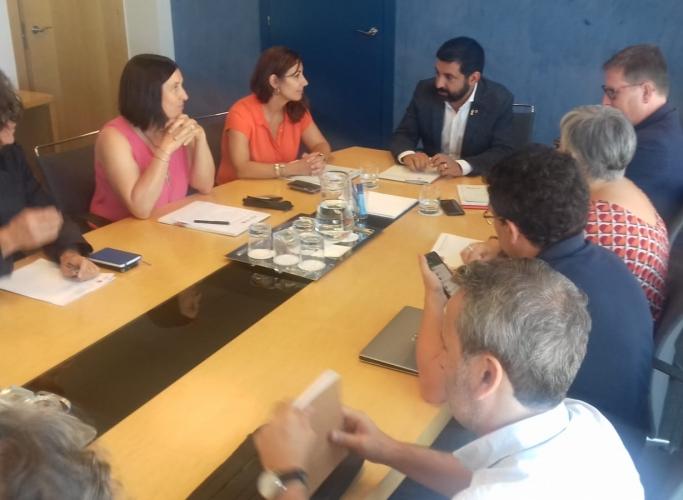 El conseller Chakir el Homrani es compromet a treballar amb les entitats socials per millorar l'aplicació de la RGC