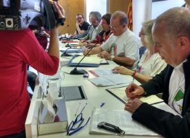 La signatura de l'acord per una Renda Garantida de Ciutadania entre Govern i promotors deixa la llei llesta per a ser aprovada al Parlament